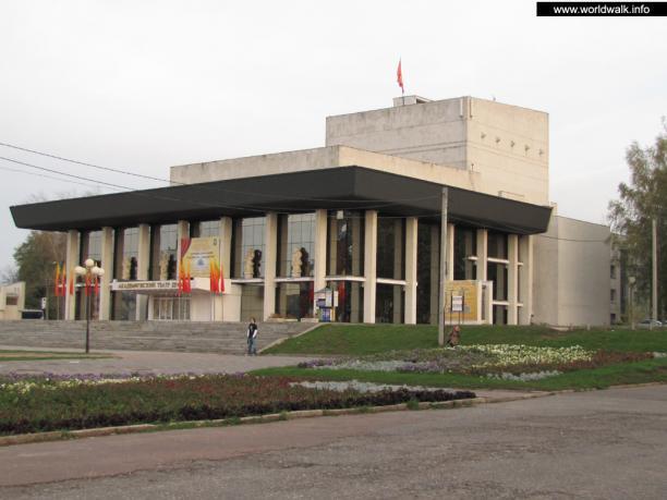 Уникальная авторская экскурсия по москве владимира высоцкого и живое исполнение ставших родными песен